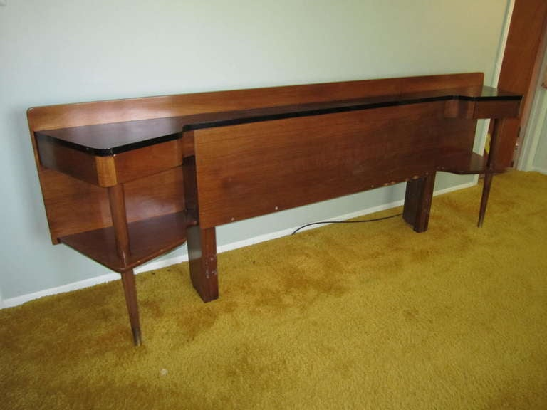 Rare american of martinsville headboard and night stands for Mid century american furniture