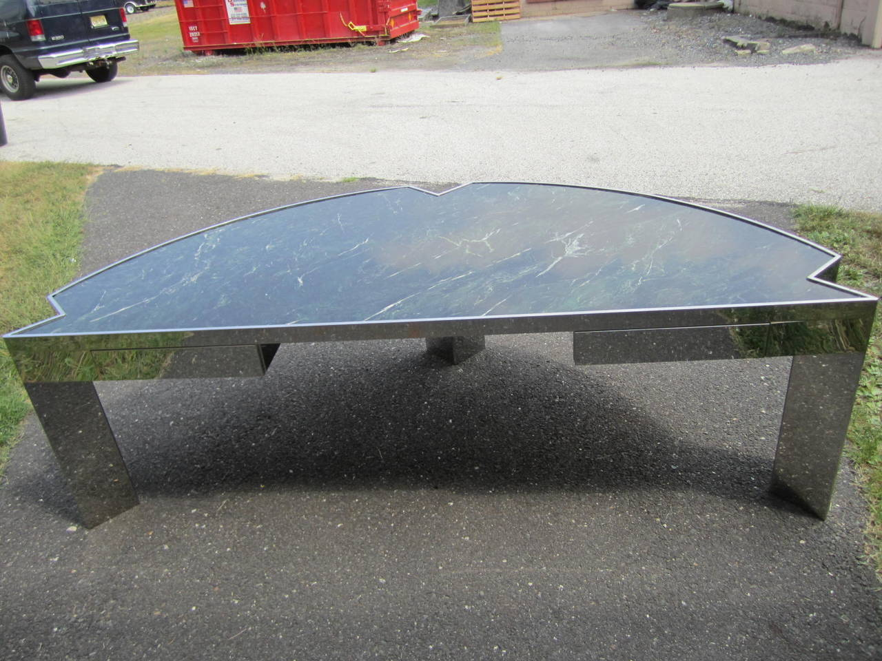 Sculptural 1970s Leon Rosen for Pace Collection Steel and Marble Desk In Good Condition For Sale In Pemberton, NJ
