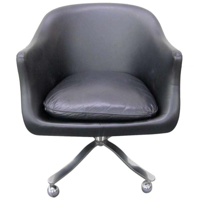 Nicos zographos black leather chrome rolling desk chair for Mid century modern leather chairs