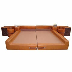Amazing Mariani for Pace, Mid-Century Modern Leather King Bed