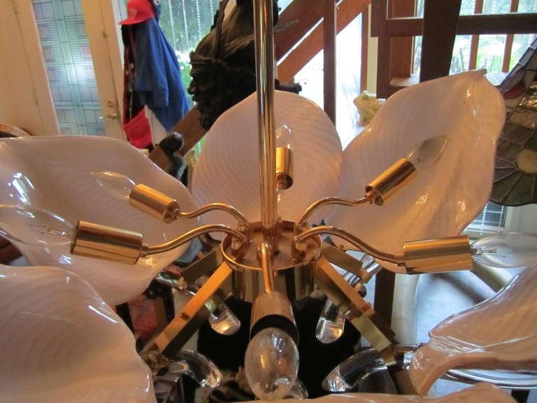 20th Century Stunning Pink Camer Glass Lily Chandelier Hollywood Regency For Sale