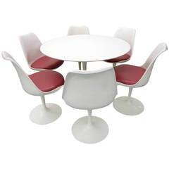 Set of Six Knoll Saarinen Swivel Tulip Chairs and Laminate Top Table Mid-Century