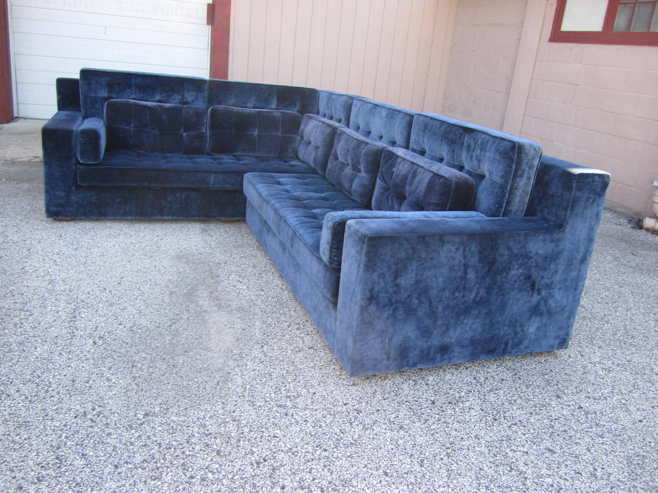 Stunning Large-Scale Harvey Probber Style Sectional Sofa, Mid-Century Modern For Sale 4