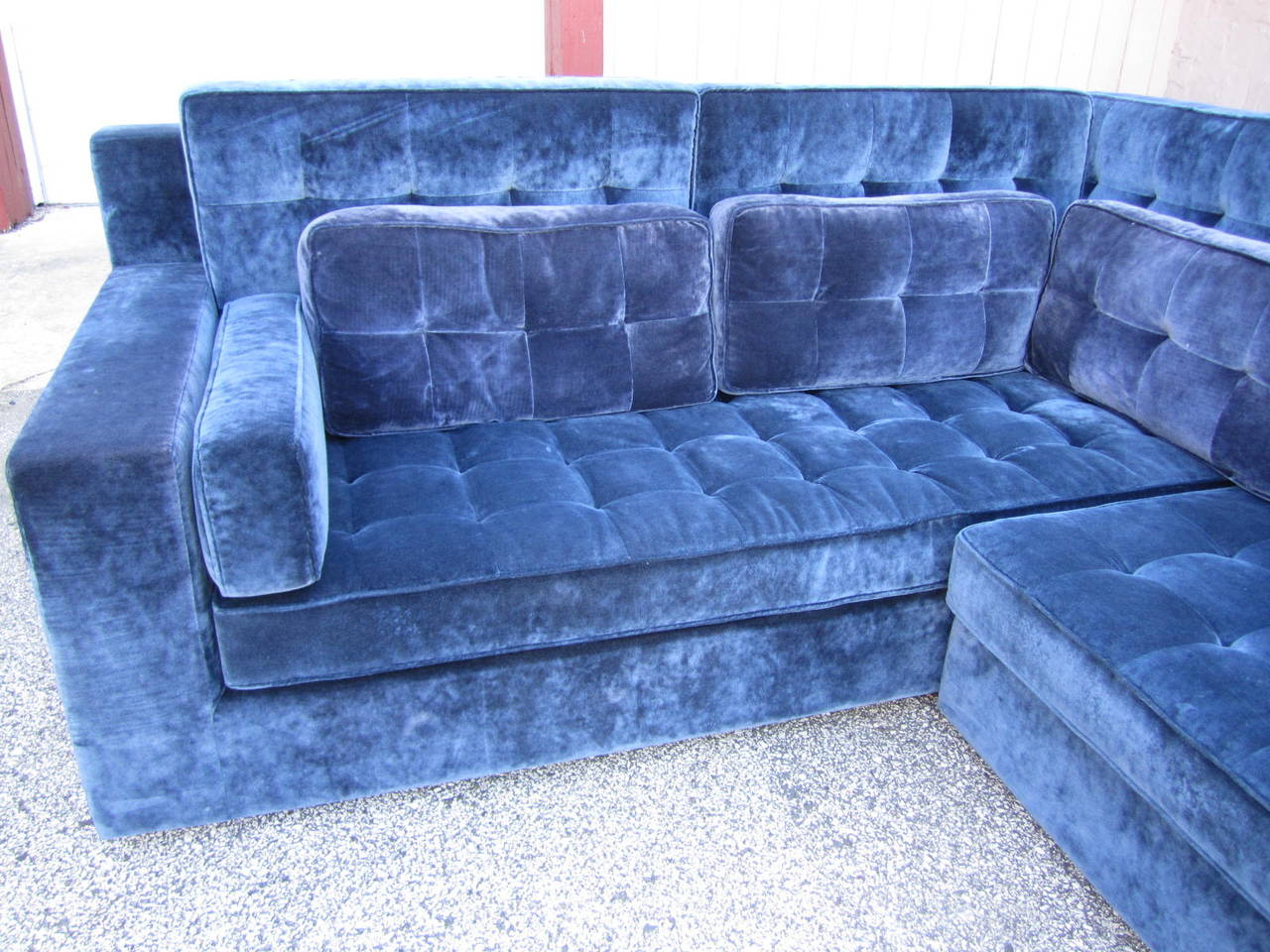 Late 20th Century Stunning Large-Scale Harvey Probber Style Sectional Sofa, Mid-Century Modern For Sale