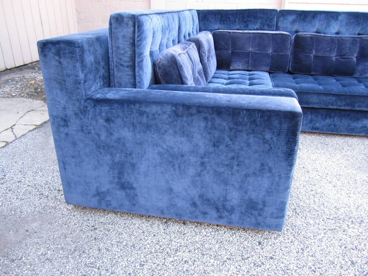 American Stunning Large-Scale Harvey Probber Style Sectional Sofa, Mid-Century Modern For Sale