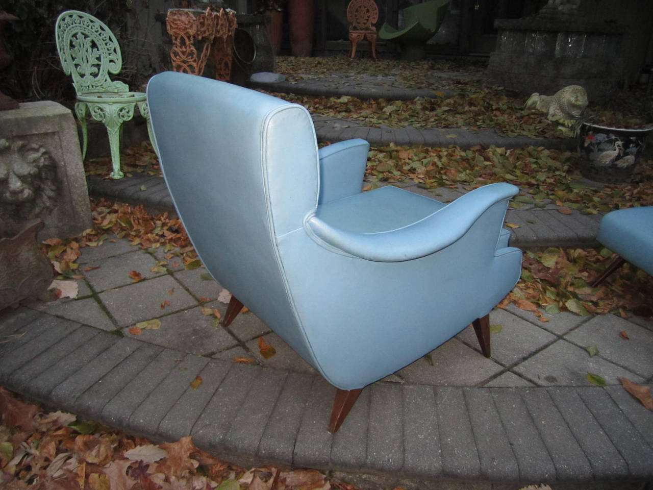 Walnut Exciting Mid-Century Modern Lounge Chair with Ottoman For Sale