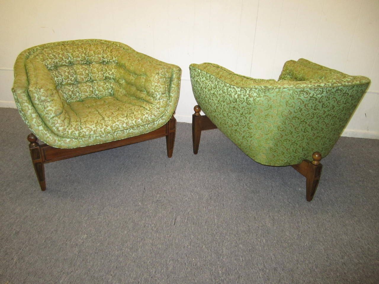 Awesome Lovely Pair Of Mid Century Modern Tufted 3 Legged Lounge Chair Machost Co Dining Chair Design Ideas Machostcouk