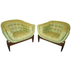 Lovely Pair of Mid-century Modern Tufted 3 Legged Lounge Chair