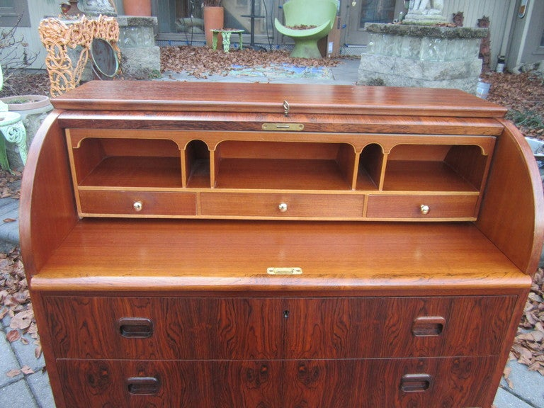 Danish Rosewood Roll Top Desk Signed Mid-century Modern In Excellent Condition For Sale In Medford, NJ