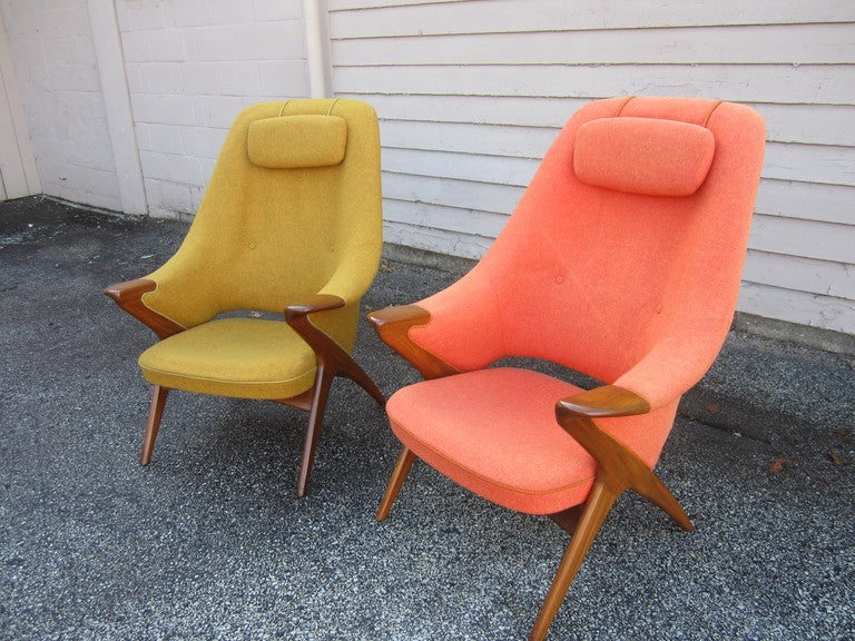 GORGEOUS PAIR OF DANISH MODERN PAPA BEAR STYLE TEAK LOUNGE CHAIRS.  NOT SURE OF THE MAKER BUT I DO KNOW THEY ARE FABULOUS!!  THE FABRIC DOES NEED TO BE REUPHOLSTERED BUT THESE CHAIRS ARE TO DIE FOR.  VERY RARE FORM WITH THE SCULPTURAL SPLAYED LEGS
