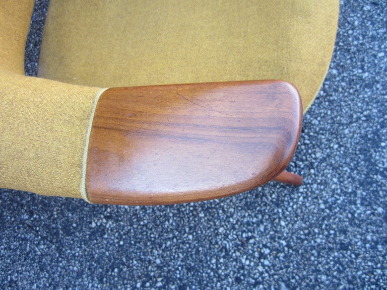 Pair Danish Modern Papa Bear Style Teak Lounge Chairs In Good Condition In Medford, NJ