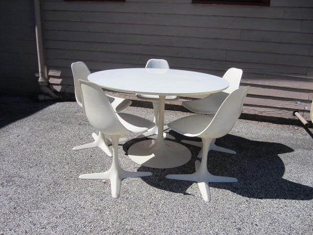 Lovely Set Of 5 Saarineen Style Burke Star Trek Chairs With The Matching Burke  Tulip Table