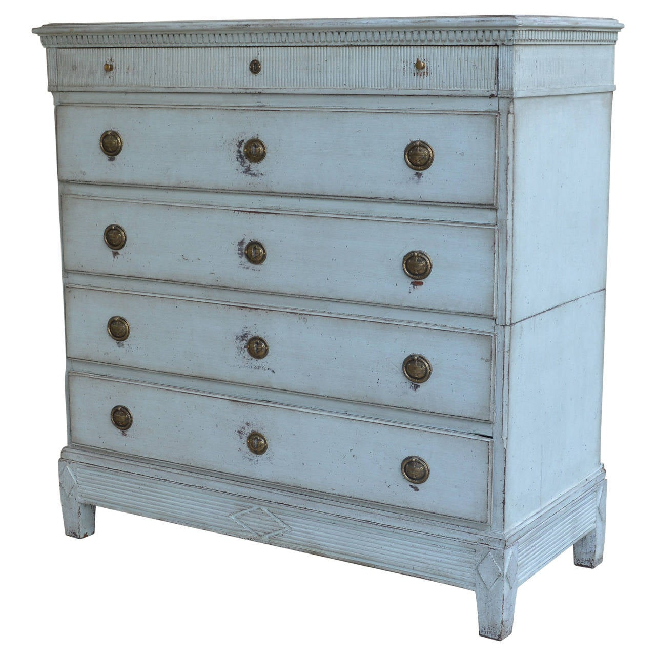 A beautiful Gustavian dresser with a pale blue painted finish. Has five drawers, all with skeleton key access (key included). Chest breaks up in three parts for easier moving around.