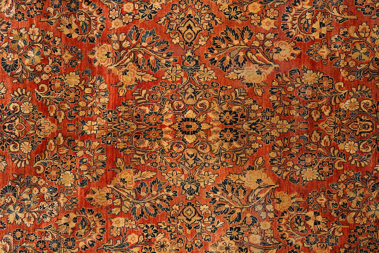 Hand-Knotted Persian Sarouk Carpet with Pure Wool Pile and Natural Vegetable Dyes, circa 1910 For Sale