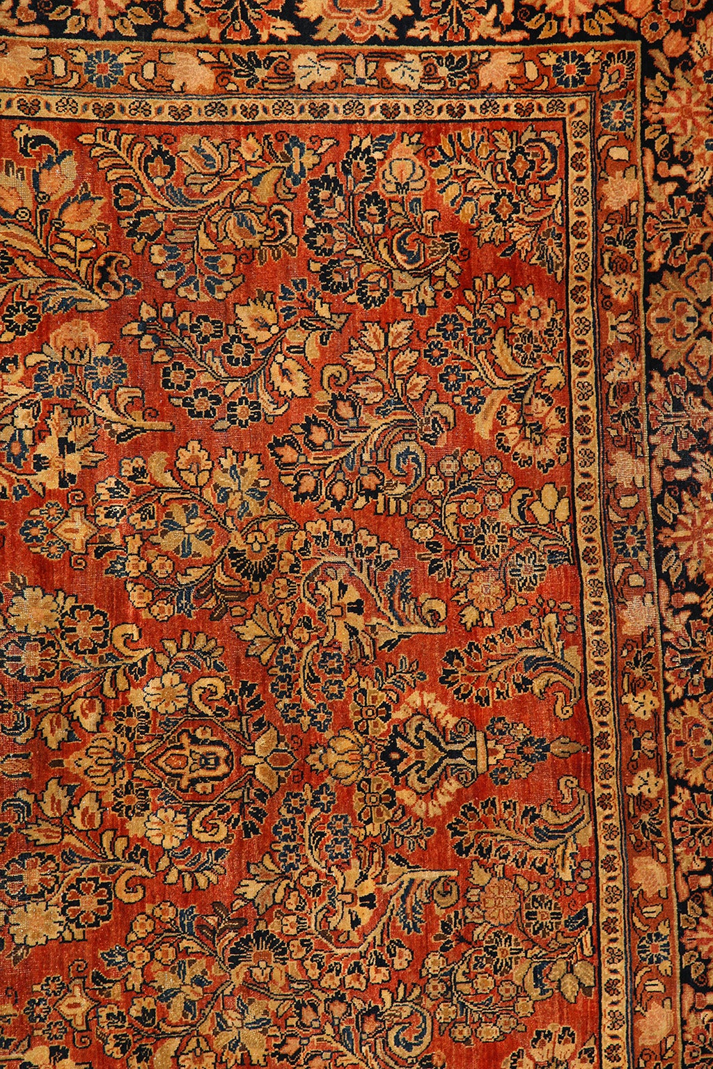 Persian Sarouk Carpet with Pure Wool Pile and Natural Vegetable Dyes, circa 1910 4