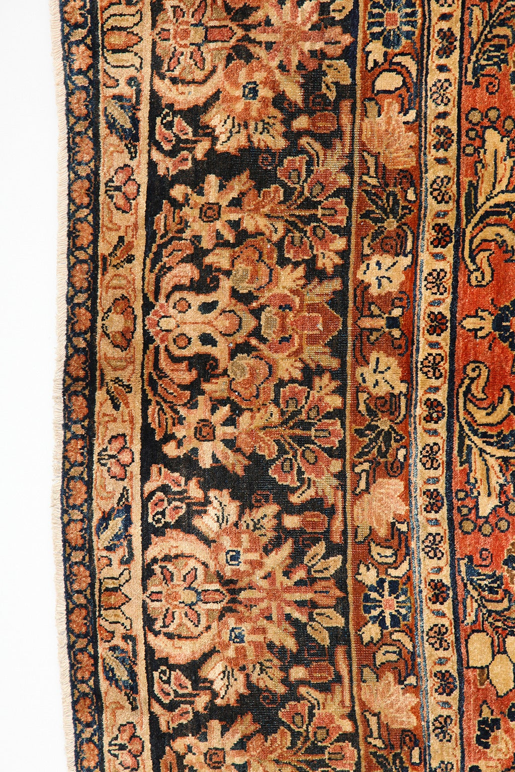 Persian Sarouk Carpet with Pure Wool Pile and Natural Vegetable Dyes, circa 1910 For Sale 1