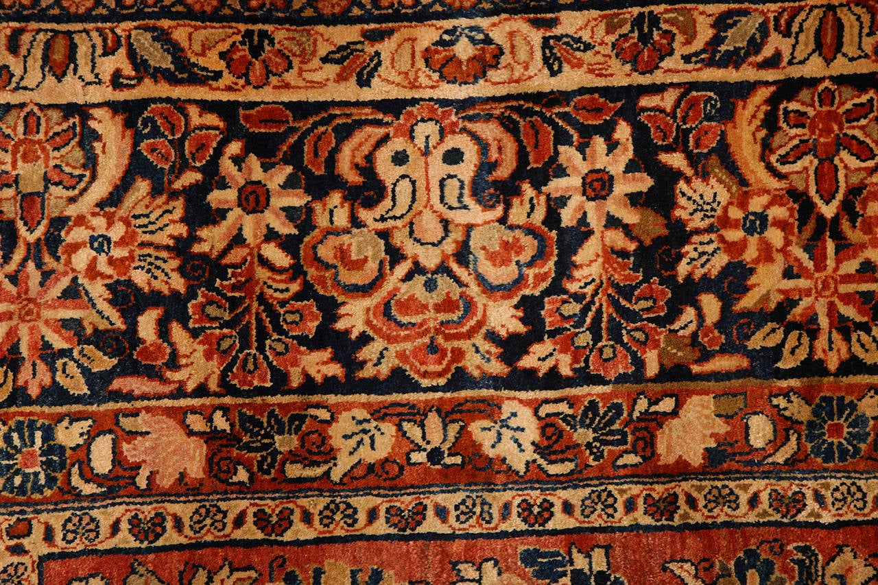 Persian Sarouk Carpet with Pure Wool Pile and Natural Vegetable Dyes, circa 1910 For Sale 4