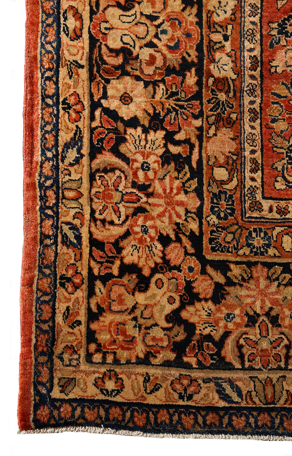 Persian Sarouk Carpet with Pure Wool Pile and Natural Vegetable Dyes, circa 1910 For Sale 3