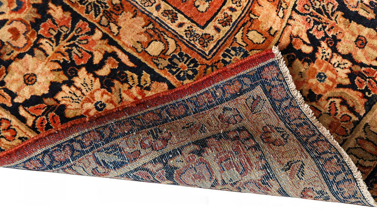 Persian Sarouk Carpet with Pure Wool Pile and Natural Vegetable Dyes, circa 1910 For Sale 2