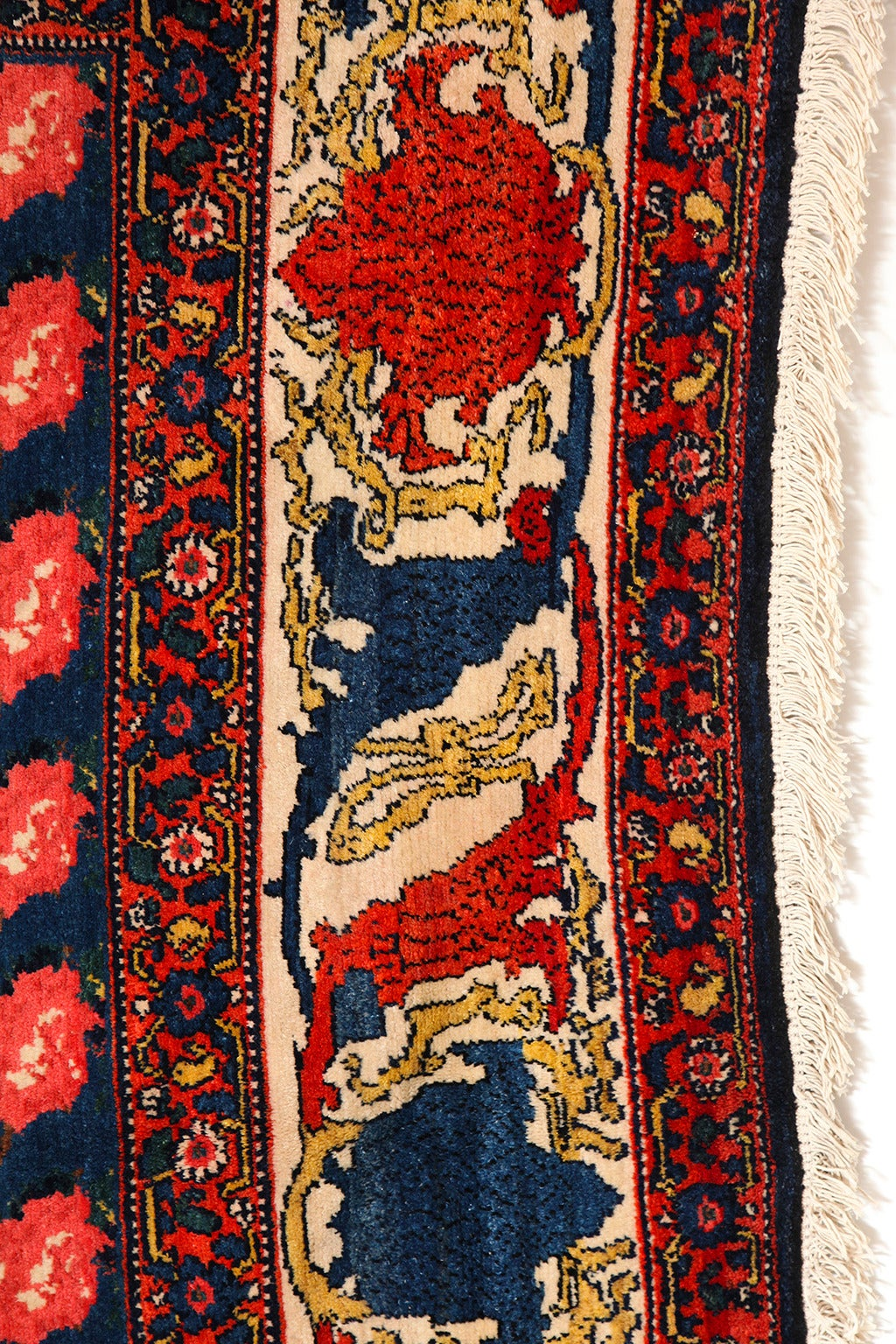 Persian Senneh Carpet circa 1900 with Pure Wool Pile and Natural Vegetable Dyes For Sale 2