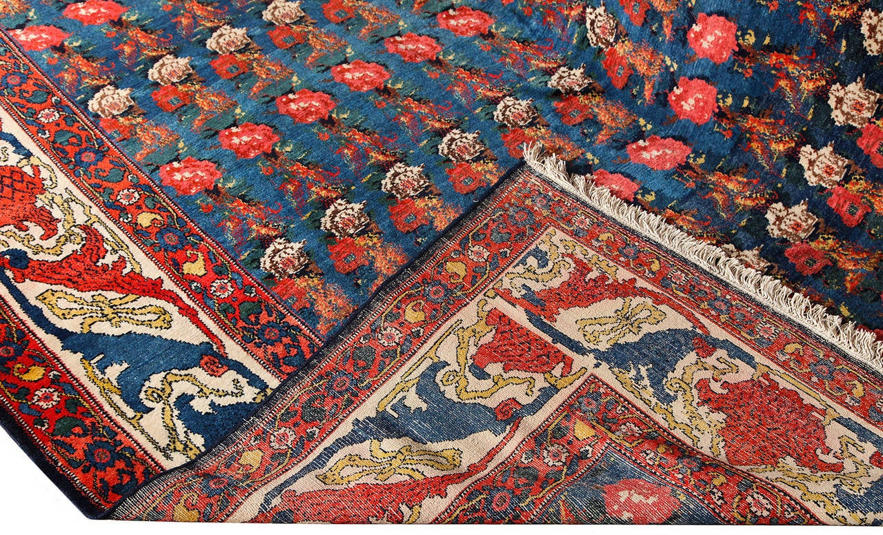 Early 20th Century Persian Senneh Carpet circa 1900 with Pure Wool Pile and Natural Vegetable Dyes For Sale