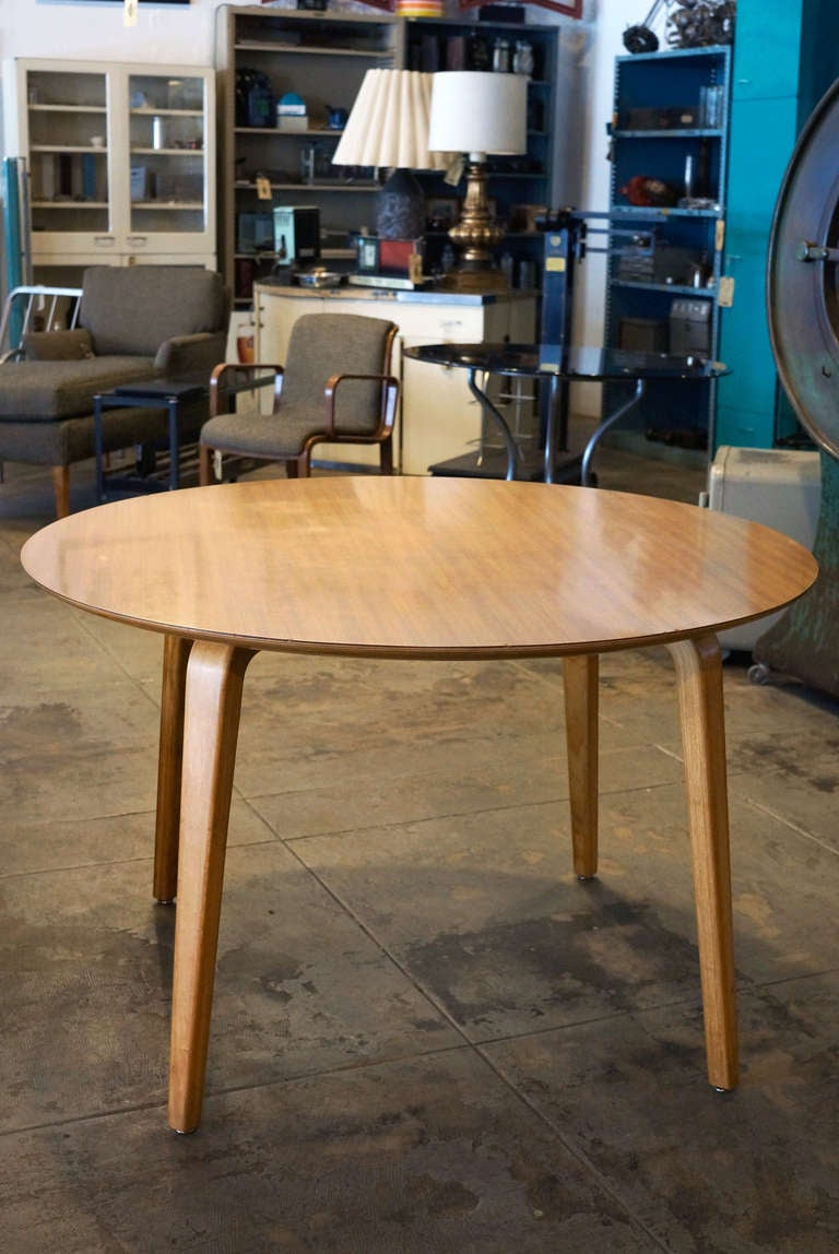 Thonet original bentwood round table 1950s at 1stdibs for Table thonet