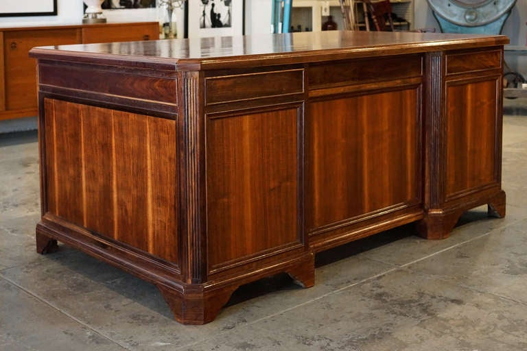 Art Deco Walnut and Rosewood Executive Desk, c. 1930s For Sale - Walnut And Rosewood Executive Desk, C. 1930s At 1stdibs