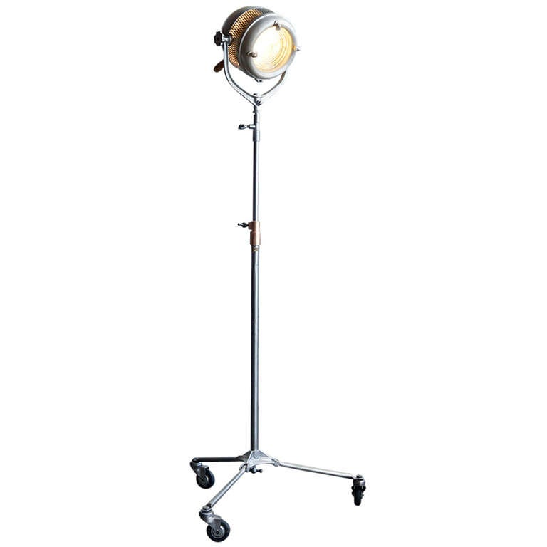 Beattie hollywood super hi lite industrial movie light c for 1940s hollywood studio floor lamp