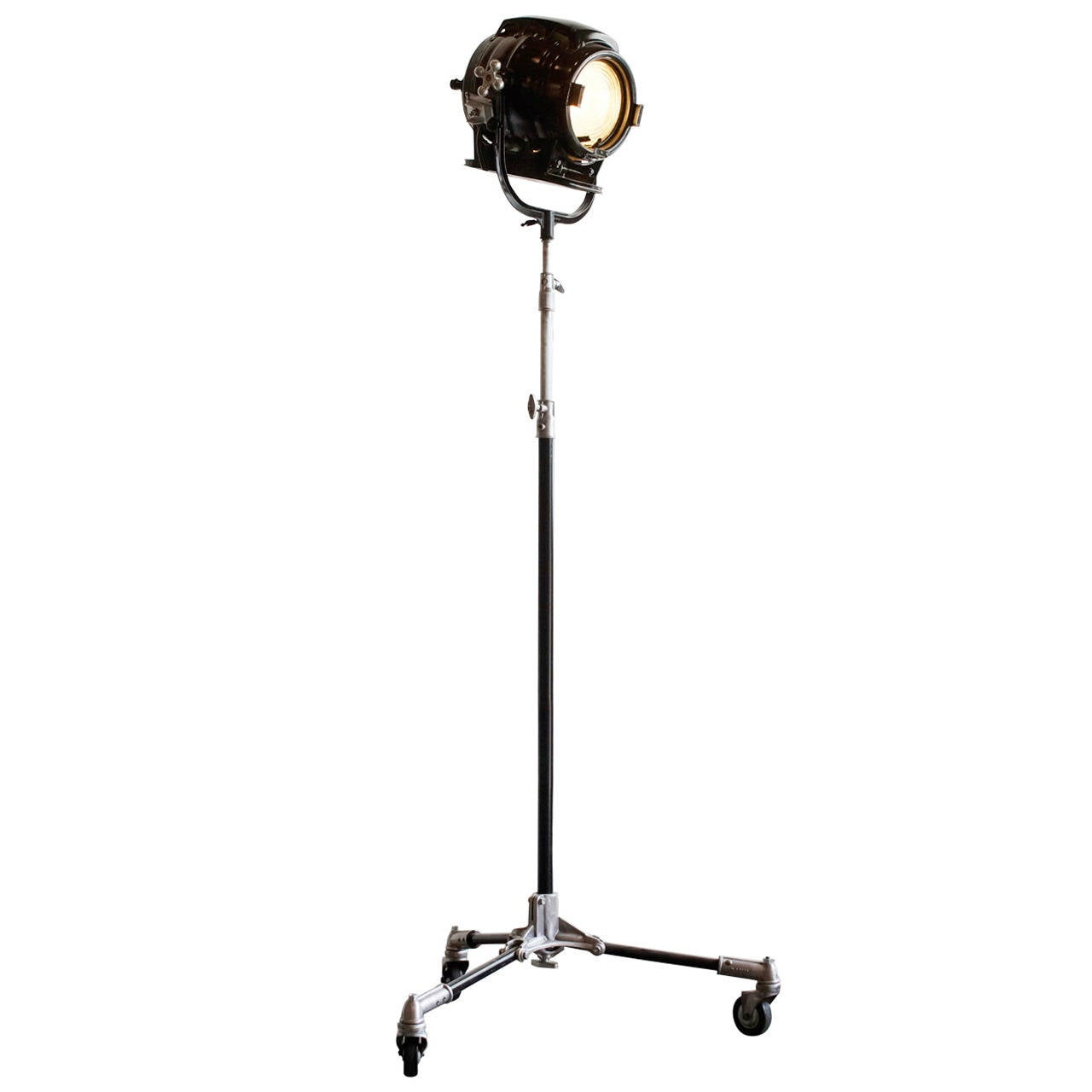Vintage hollywood stage light on tripod circa 1940s at for 1940s hollywood studio floor lamp