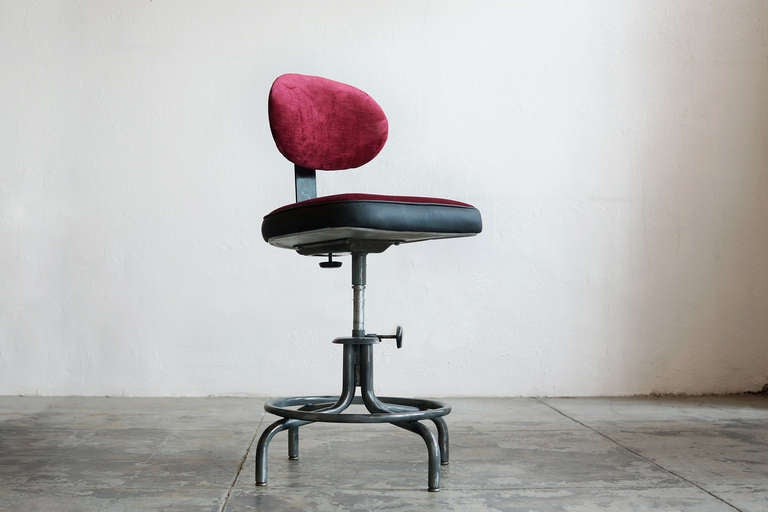Mid Century Modern Vintage Drafting Stool With Back By Royal Metal,  Refinished For Sale