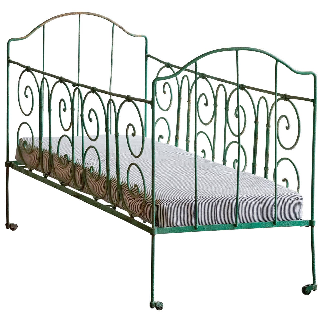 Antique french iron bed - Antique French Wrought Iron Baby Crib 1