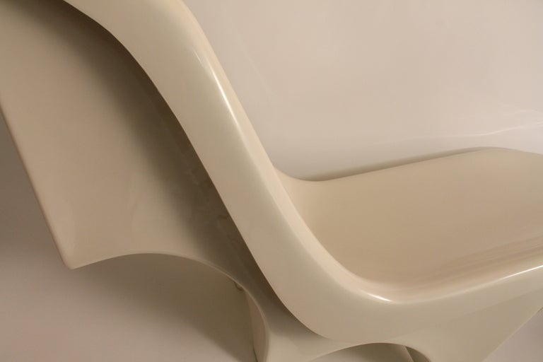 Sculpted Italian 1960's Fiberglass Chaise Lounge image 4