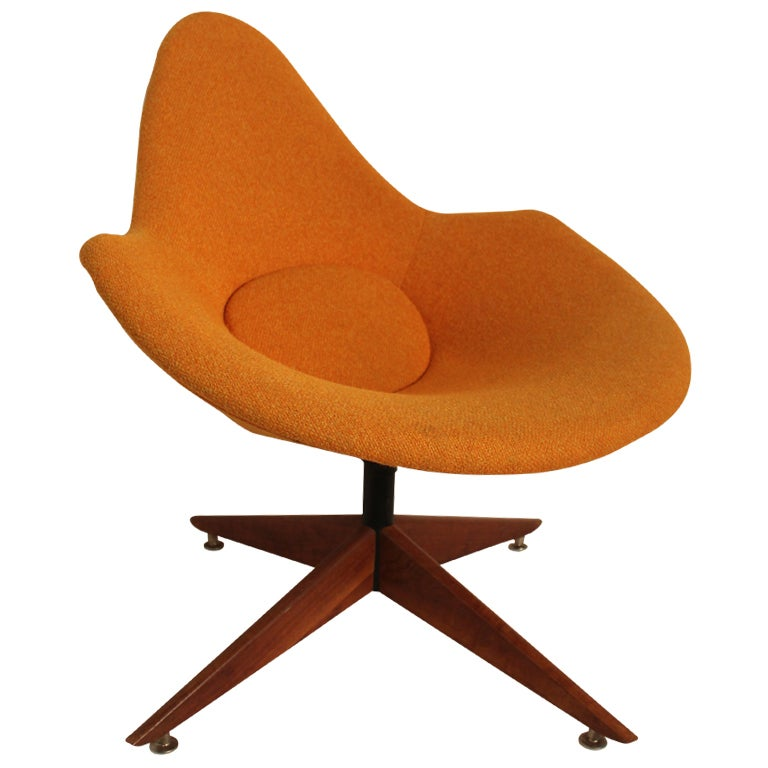 Sculptural Space Age Mid Century Modern Lounge Chair At
