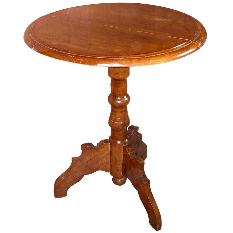Biedermeier cherrywood center table at 1stdibs for 13 american table boca