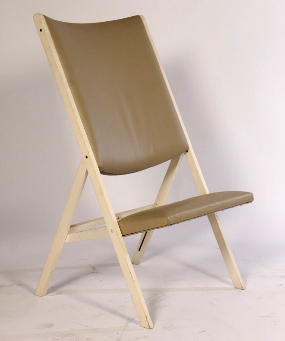 Designed in his later years, Gio Ponti's Gabriella folding chair is a modern interpretation of historical folding chairs that were praised for their mobility and functionality, which was revived and glamorized in the 1960s-1970s design sphere in