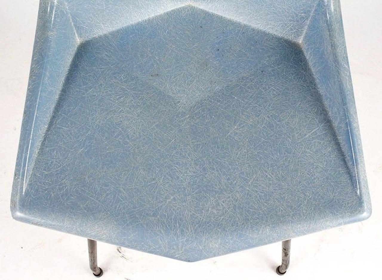 Fiberglass Origami Chair by Paul McCobb In Good Condition For Sale In North Miami, FL