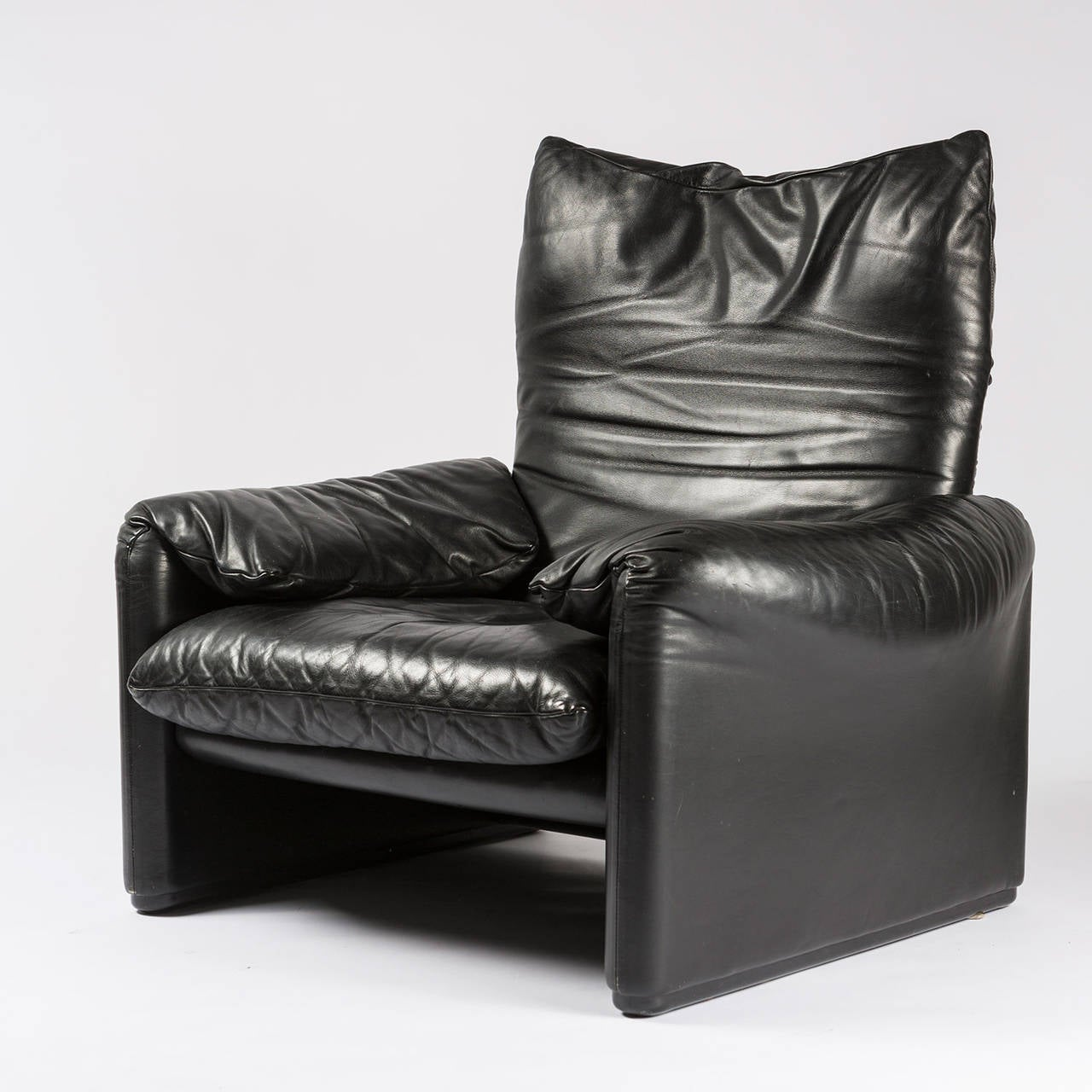 maralunga lounge chair by vico magistretti for cassina for sale at 1stdibs. Black Bedroom Furniture Sets. Home Design Ideas