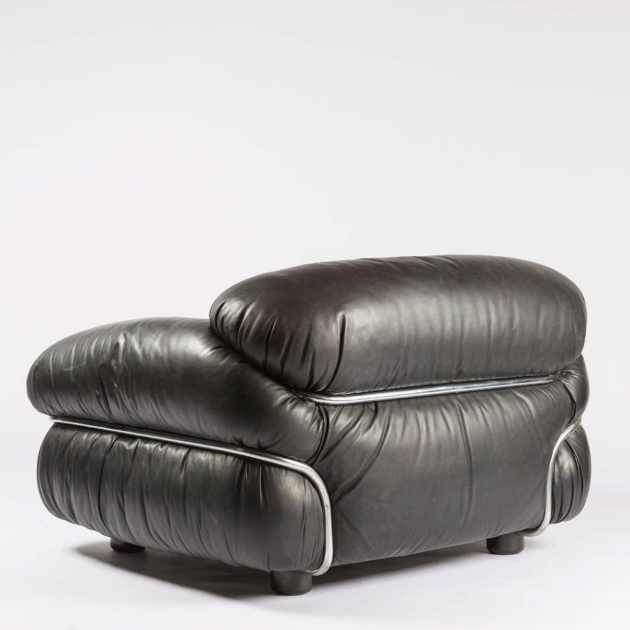 "Pair of ""Sesann"" Armchairs by Gianfranco Frattini for Cassina 5"
