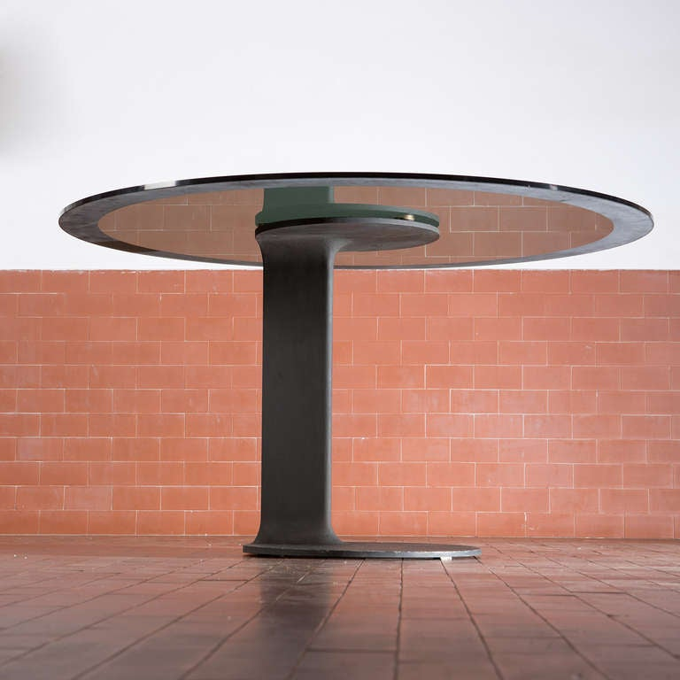 Bautiful dining table model TL 59 by Afra and Tobia Scarpa for Poggi.