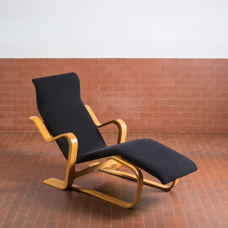 stunning reclining chaise longue by marcel breuer for sale at 1stdibs. Black Bedroom Furniture Sets. Home Design Ideas