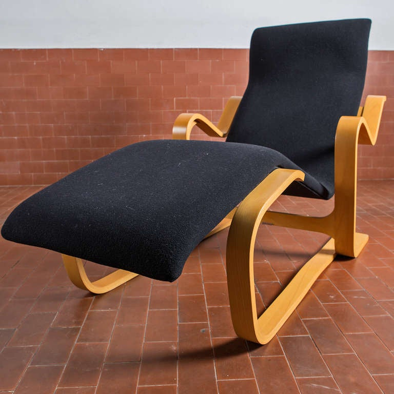 Stunning reclining chaise longue by marcel breuer at 1stdibs for Chaise longue manufacturers