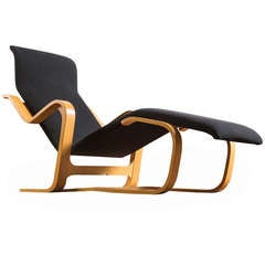 Marcel breuer furniture at 1stdibs for Breuer chaise longue