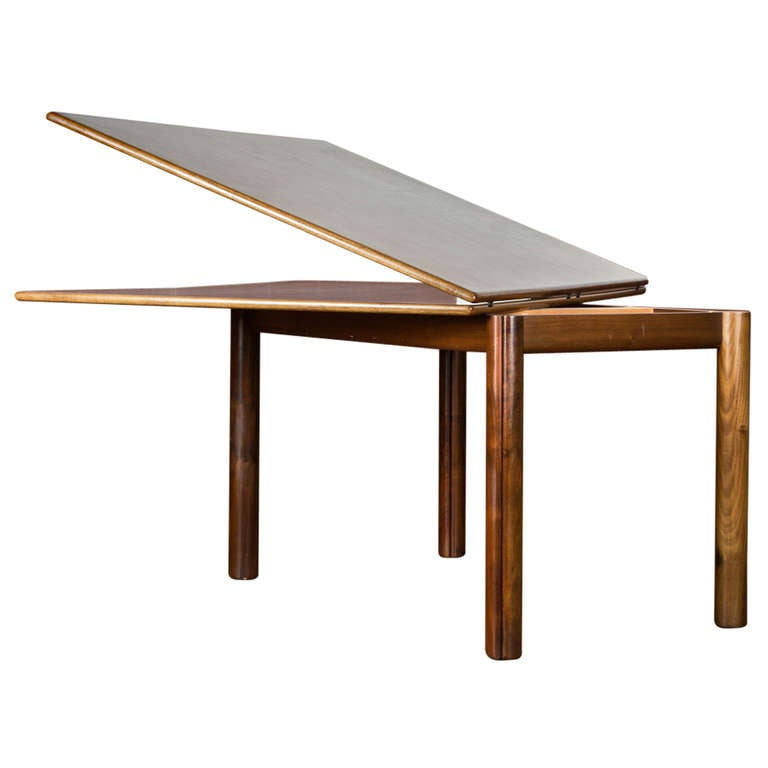Nibai extensible dining table by afra and tobia scarpa for Dining table extensible