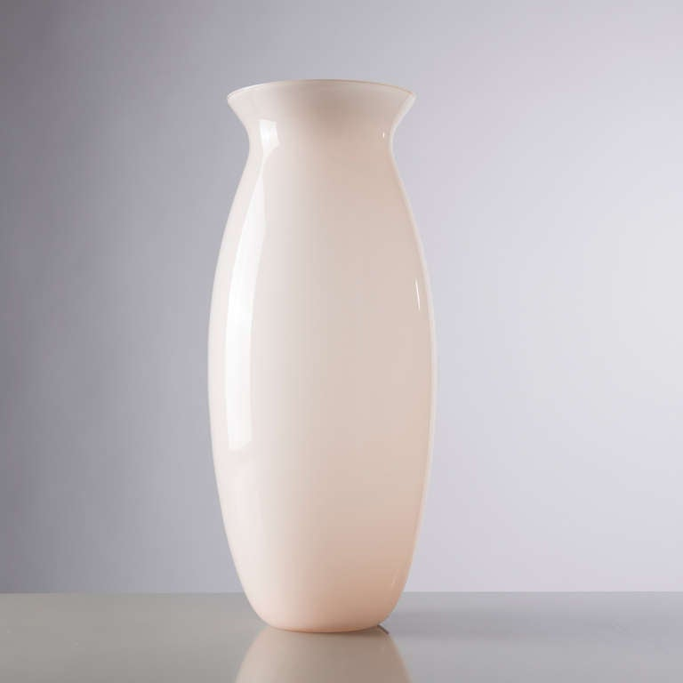 Delicate Murano pink glass vase by Barbini. Tall piece with original manufacturer's label and Barbini signature on the base.