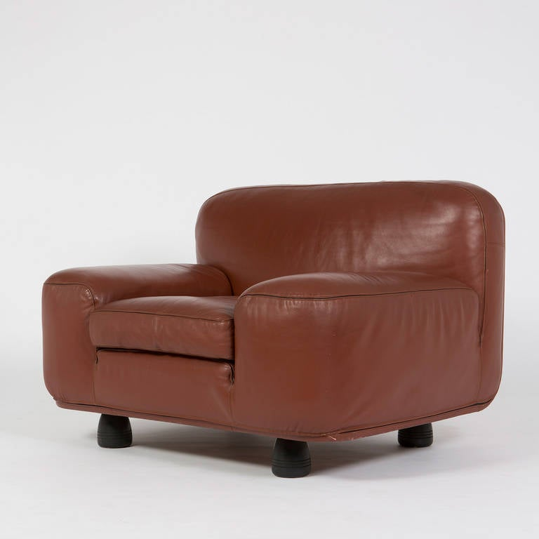 """Rare """"Altopiano"""" lounge chair by Franco Poli for Bernini. Amazing quality piece fully covered in leather, flat and still monumental shape. Also available from the same design a settee and a 4 seat sofa."""