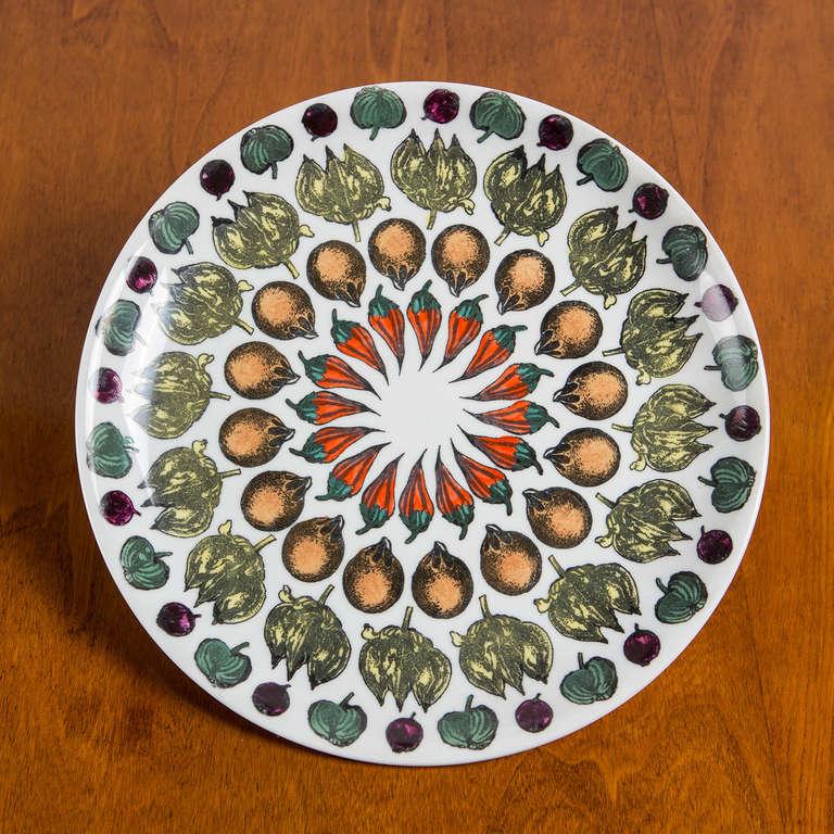 """Set  of 6 """"Giostra di Frutta"""" Dinner Plates By Piero Fornasetti 3"""