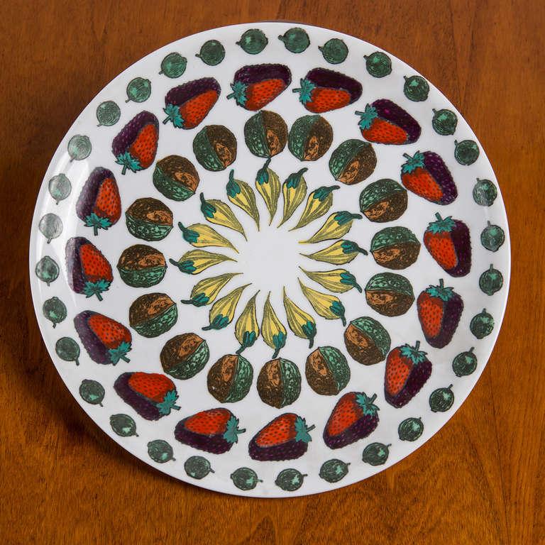 """Set  of 6 """"Giostra di Frutta"""" Dinner Plates By Piero Fornasetti 6"""