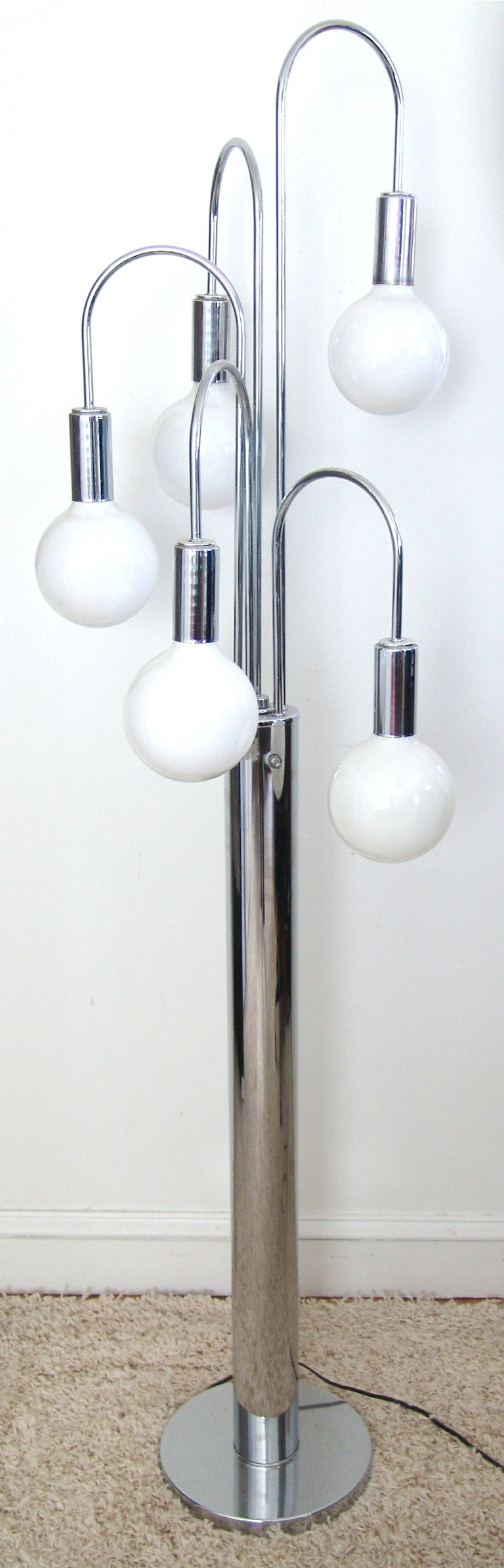 Mid-Century Modern Chrome Floor Spider Lamp For Sale at 1stdibs
