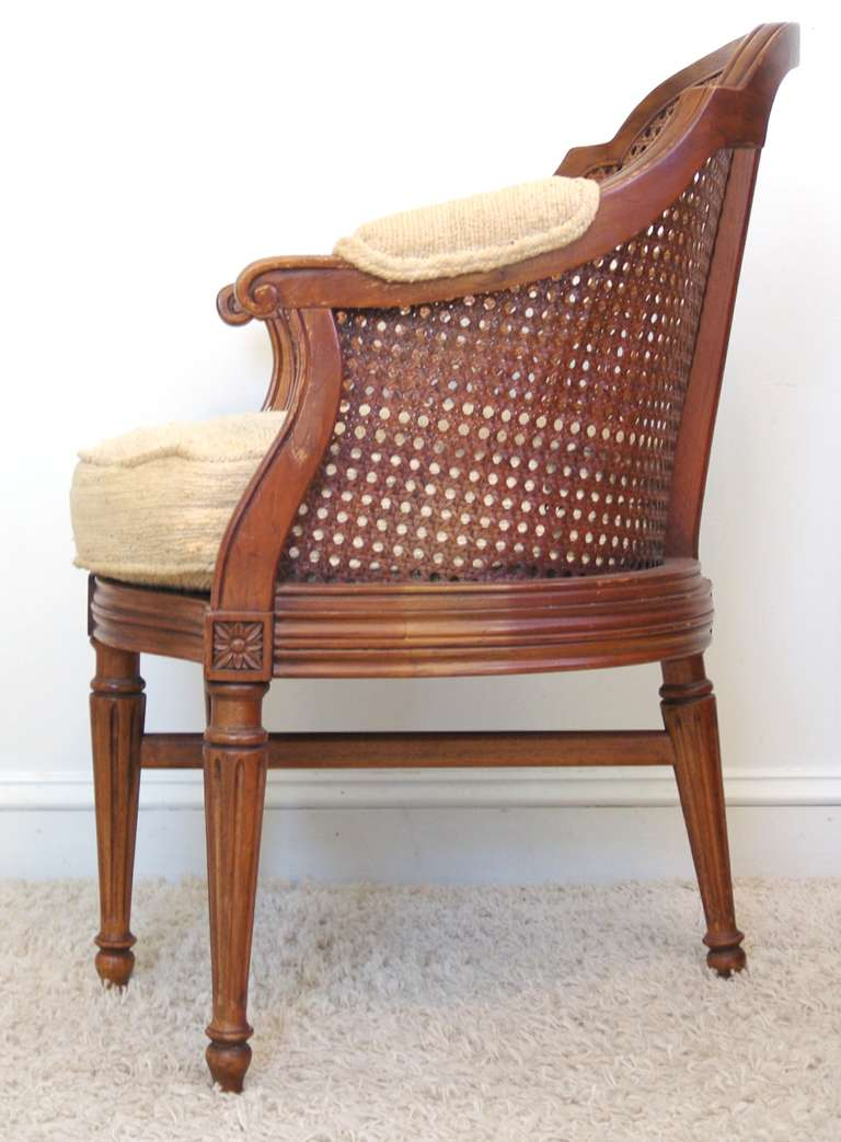 fauteuil de bureau louis xv style rosette side chair at 1stdibs. Black Bedroom Furniture Sets. Home Design Ideas
