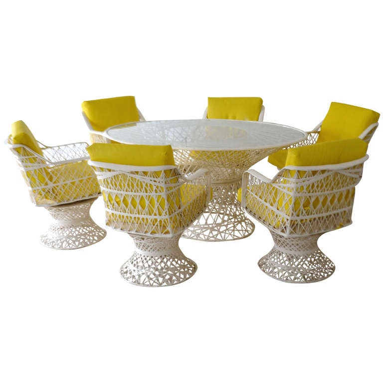Spun Fiberglass Oval Dining Table And Six Chairs At 1stdibs